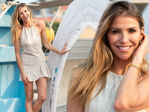 Laura Csortan looks radiant as she flaunts her trim pins at the ECOYA Christmas event in Sydney
