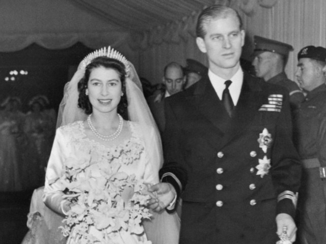 Tiaras, Silk Stockings And Toasters: Royal Wedding Presents Through The Ages