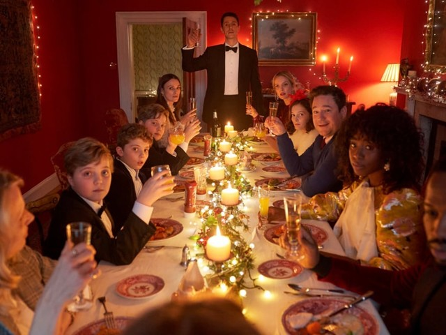 'Silent Night' Film Review: Brits Gather for One Last Christmas Before the Apocalypse