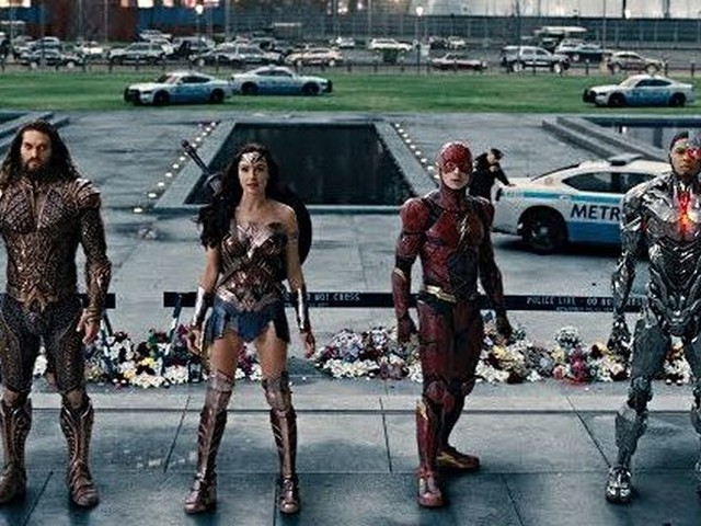 'Justice League' trailer: Wonder Woman is back, and she's brought some new friends