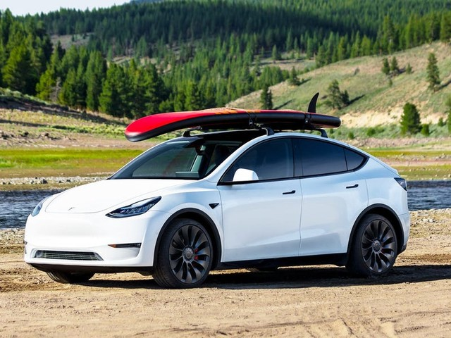 The 10 longest range electric cars you can buy in the US (TSLA)