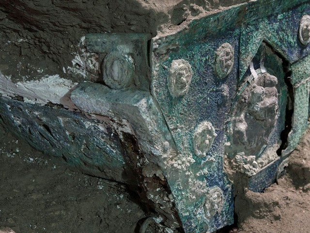 'An exceptional discovery': Ceremonial chariot found in ruins near Pompeii