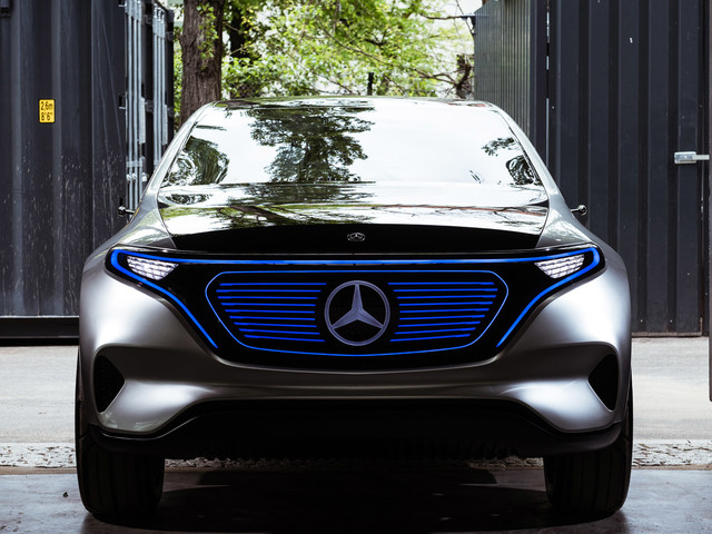 Mercedes EQ concept - first ride