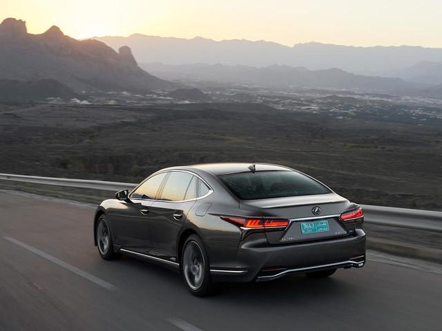 Lexus LS500h 2018 review