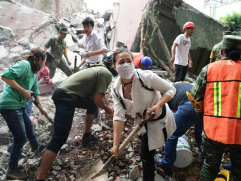 21 children among 149 dead in powerful Mexico quake
