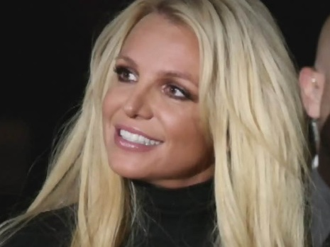 Britney Spears says she won't perform while her father controls career