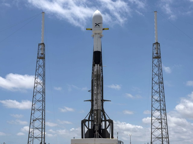 What is Elon Musk's new Starlink service?