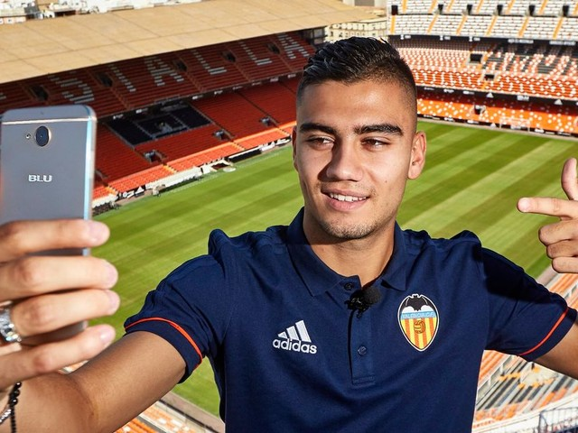 Manchester United player Andreas Pereira reveals how Valencia loan happened