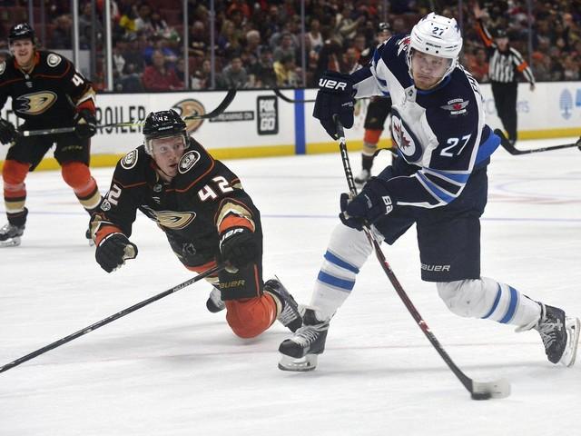 Nikolaj Ehlers scores twice as streaking Jets roll past Ducks