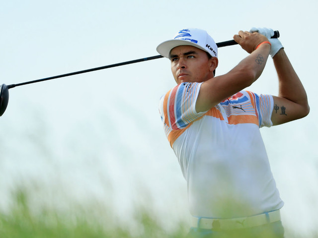 Rickie Fowler leads the US Open as favourites crumble