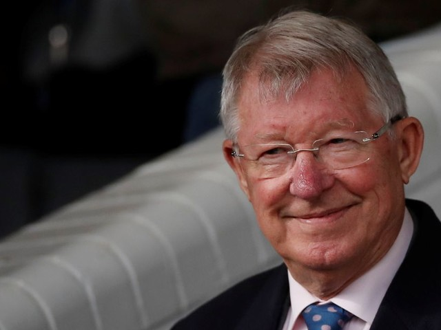 """Sir Alex Ferguson accused of """"fixing game with agent who gave him £30,000 gold Rolex"""""""
