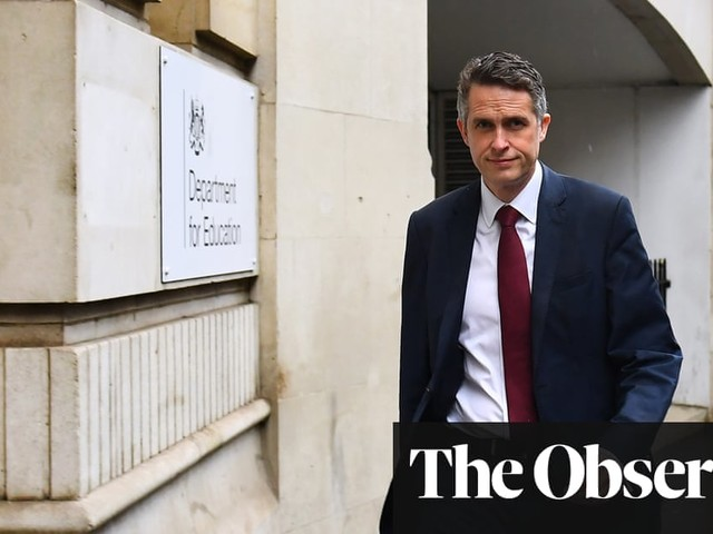 Teachers take legal action as chaos grips England's schools plan