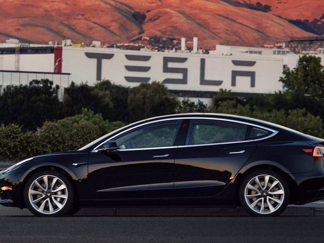Tesla Model 3 makes public appearance at LA motor show
