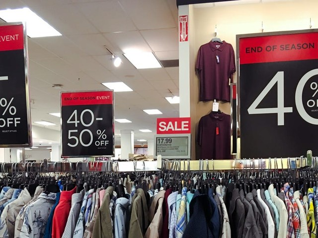 Wall Street thought Kohl's could defy the retail apocalypse. But its latest earnings are further proof that department stores as we know them are dying.