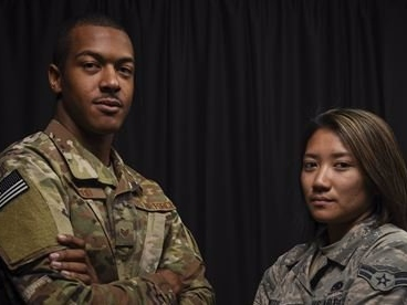 2 US airmen describe how they escaped the scene of the Las Vegas shooting