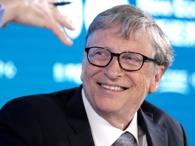32 books Bill Gates thinks everyone should read if they want to get smarter about business, philosophy, and science