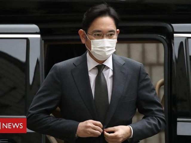 Lee Jae Yong: Samsung heir gets prison term for bribery scandal
