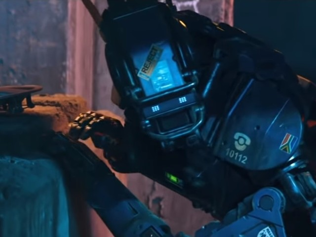 Chappie in Apex Legends? Neill Blomkamp and Vince Zampella are up for it