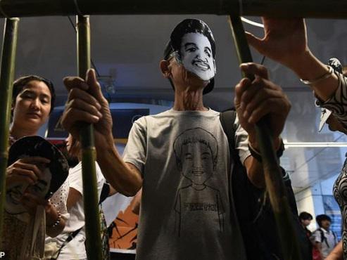 Thai student leader jailed for lese majeste
