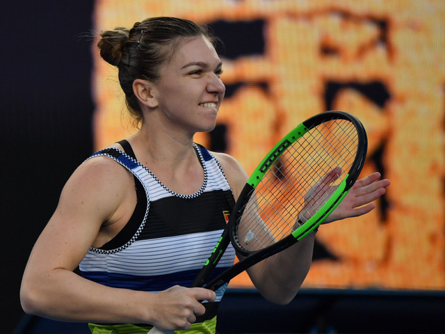 Halep sets up last-16 showdown with Serena Williams at Australian Open