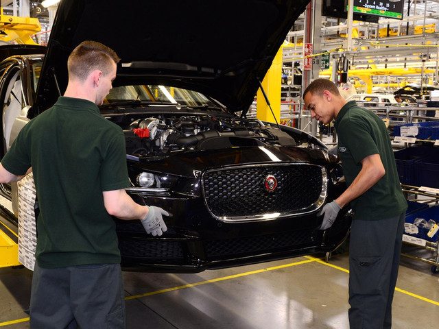 One in six UK automotive jobs under threat, says SMMT