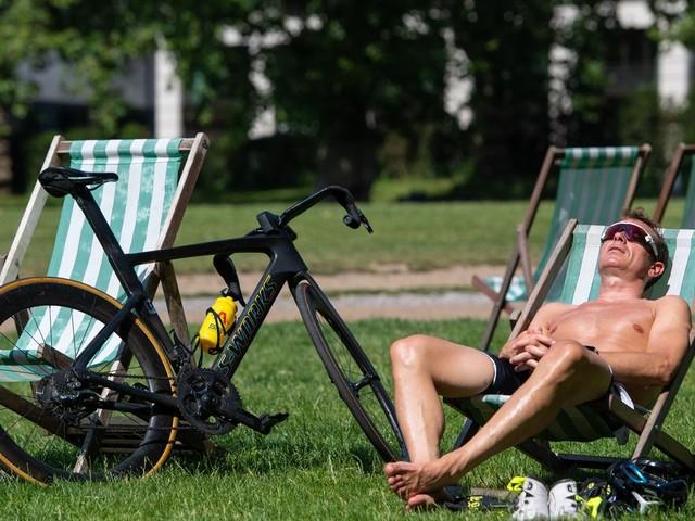 Public Health England extends its heat-health alert until Friday