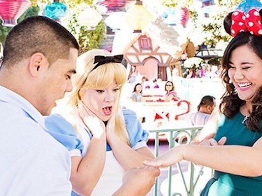 15 ways to propose at a Disney park that are actually super romantic