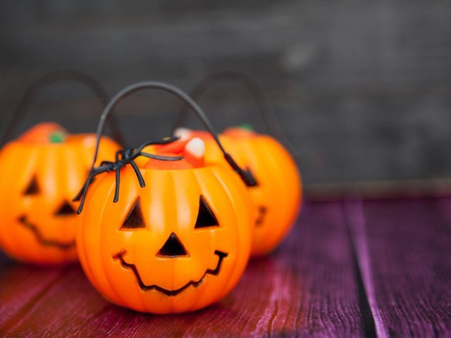 New Brunswick city sets Halloween curfew, bans older teens from going out