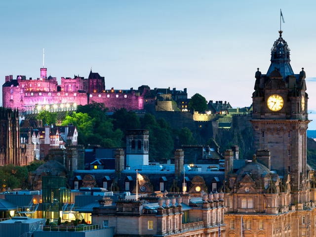 Top Five Walking Tours To Enjoy In Edinburgh