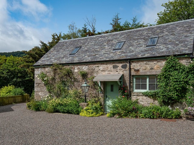 Cool stay of the week: a cosy stone cottage in the Scottish Highlands