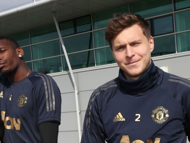 Victor Lindelof lifts lid on Paul Pogba relationship and Manchester United transfer talk
