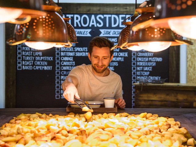 Pop-Up Roast Potato Restaurant Serves All-You-Can-Eat Spuds And Gravy For £5