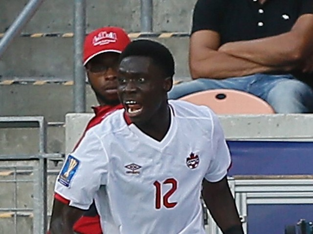 Alphonso Davies Manchester United trial delayed