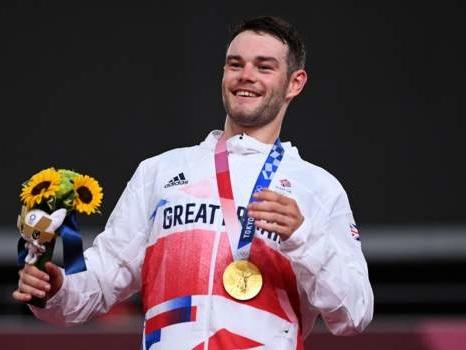 Tokyo Olympics: Team GB's Matt Walls wins omnium gold