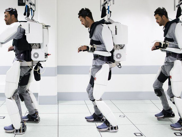 A Man Who's Been Paralyzed For 4 Years Finally Walks Again With The Help Of A Mind-Controlled Exoskeleton