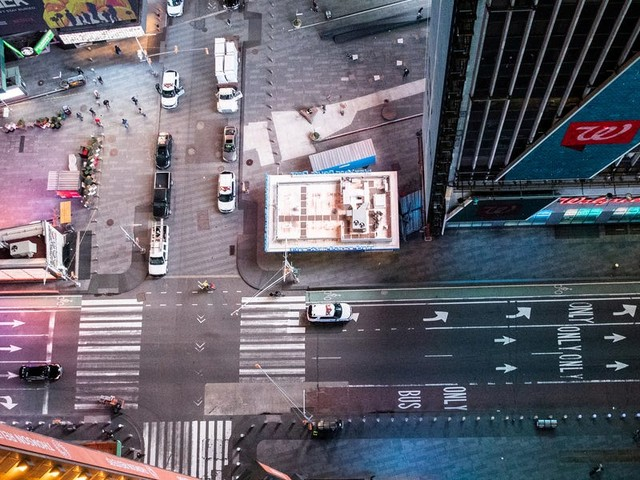 13 photos of New York City looking deserted as the city tries to limit the spread of the coronavirus