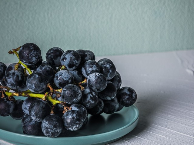 Why You Should Swap Green Fruit And Veg For Purple