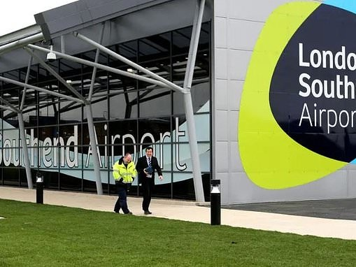 Which British airports have the most expensive passenger drop off costs?