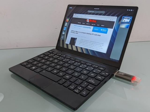 Linux on the MAG1 8.9 inch mini-laptop (Ubuntu and Fedora)