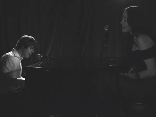 "Noah Cyrus Shines In Jake Bugg's Stylish ""Waiting"" Video"