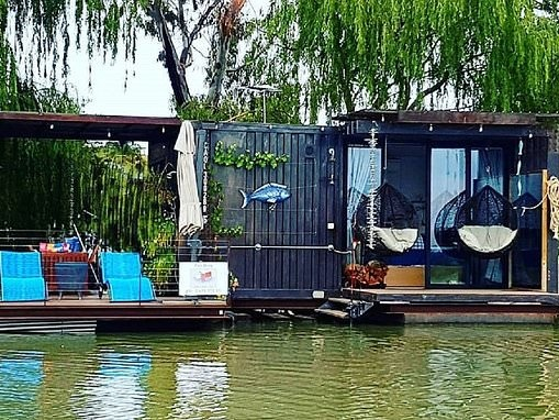 Why the Cube on South Australia's Murray River was nominated for Stayz Australian holiday home 2020