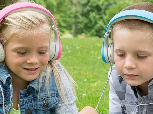 The 5 best kids' headphones in 2021 that protect their hearing