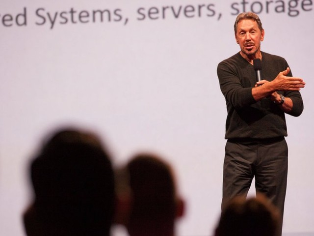 Oracle topped Wall Street targets, but the stock is sinking over 4% (ORCL)
