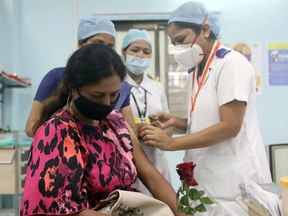 Private hospitals can charge up to Rs 250 per dose of COVID-19 vaccine: Government
