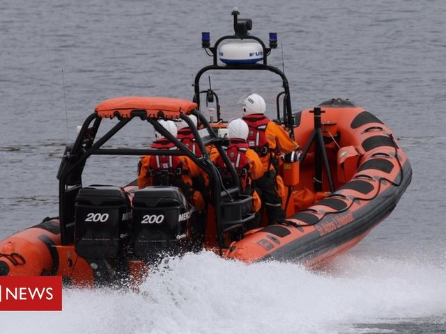 Diver airlifted after lifeboat rescue near St Abbs