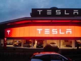 Tesla Cash Flow: Will The Model 3 Production Halt Or the Cost Will Rise?