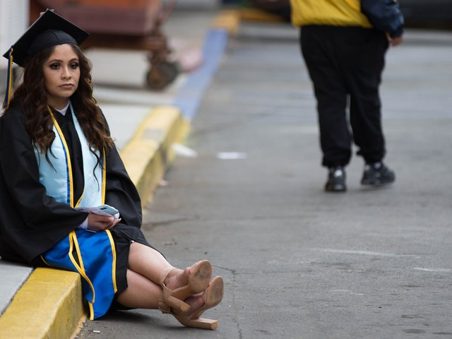 Nearly half of indebted millennials say college wasn't worth it, and the reason why is obvious