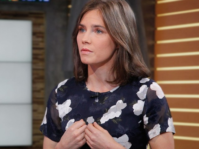 Amanda Knox Reveals Struggle With Money & Constant Anxiety