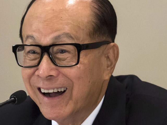 The richest man in Hong Kong is funding an entire college class' tuition for up to 5 years — here's his incredible rags-to-riches life story