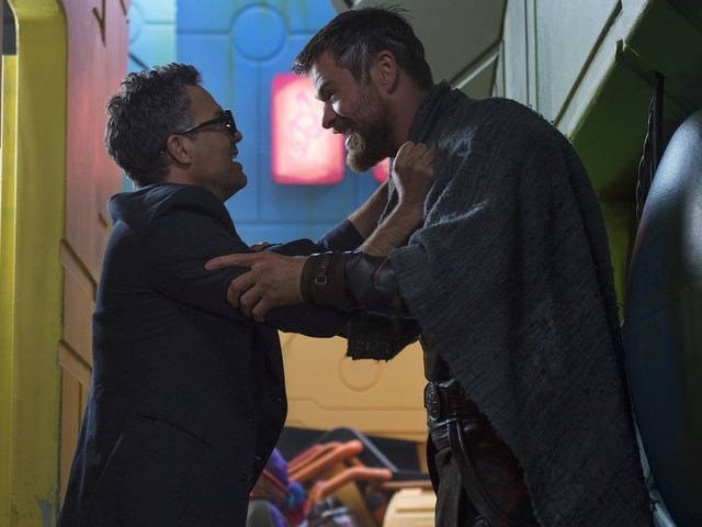 The first 'Thor: Ragnarok' reactions are in, and they're worthy of a golden god